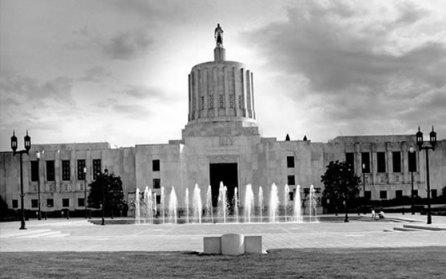 oregon-state-house black and white